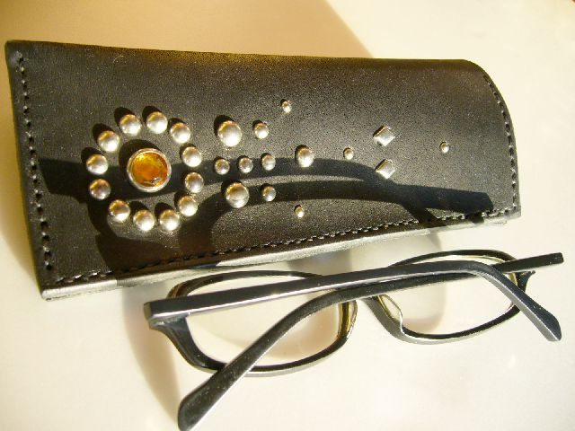 Studs Glasses case g-29